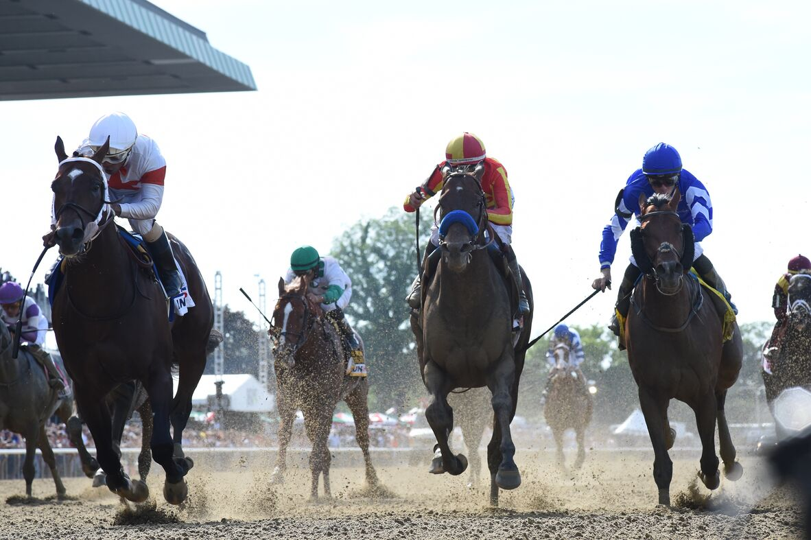 horses racing at belmont stakes